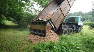 s_ウッドチップトラック